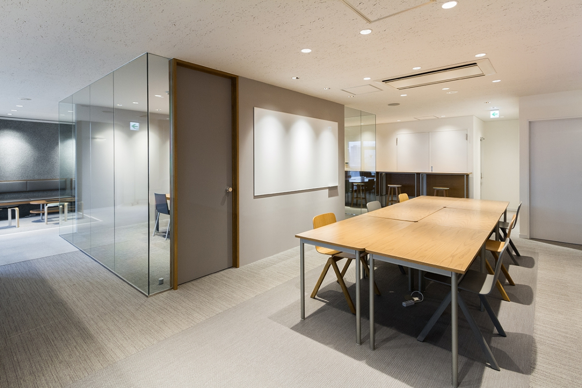limret inc. Office-image6