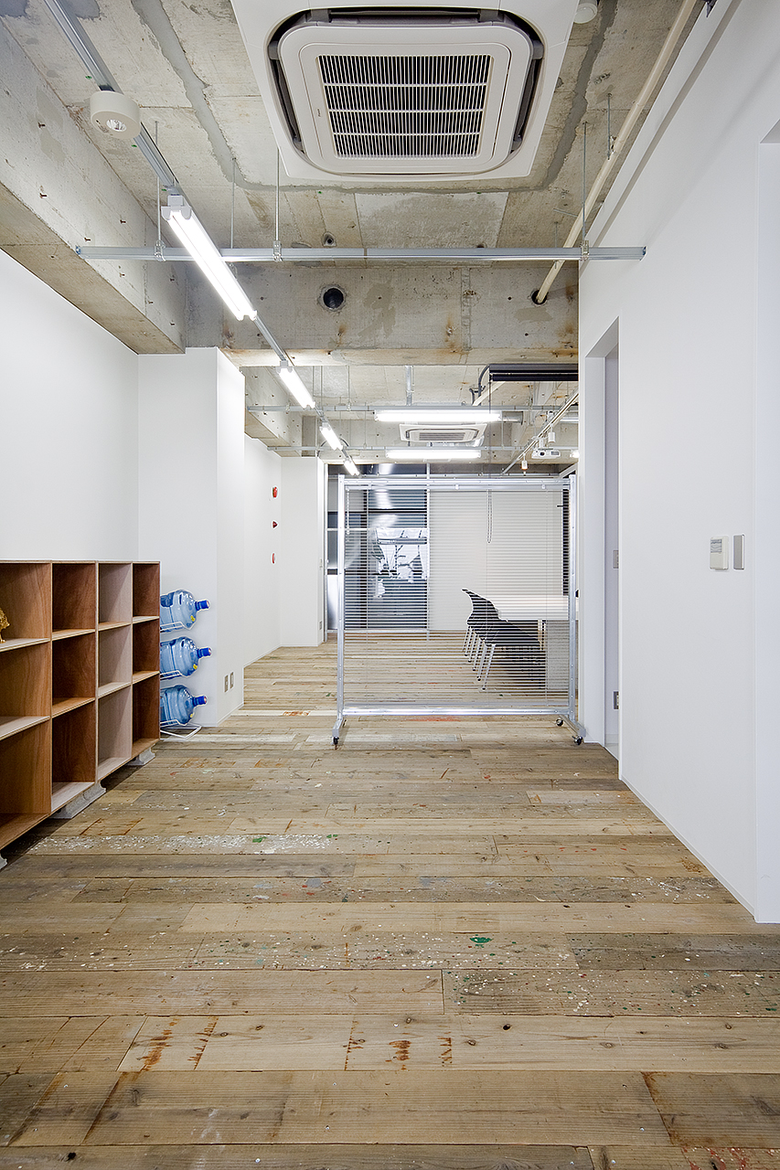 Projector inc. Office-image10