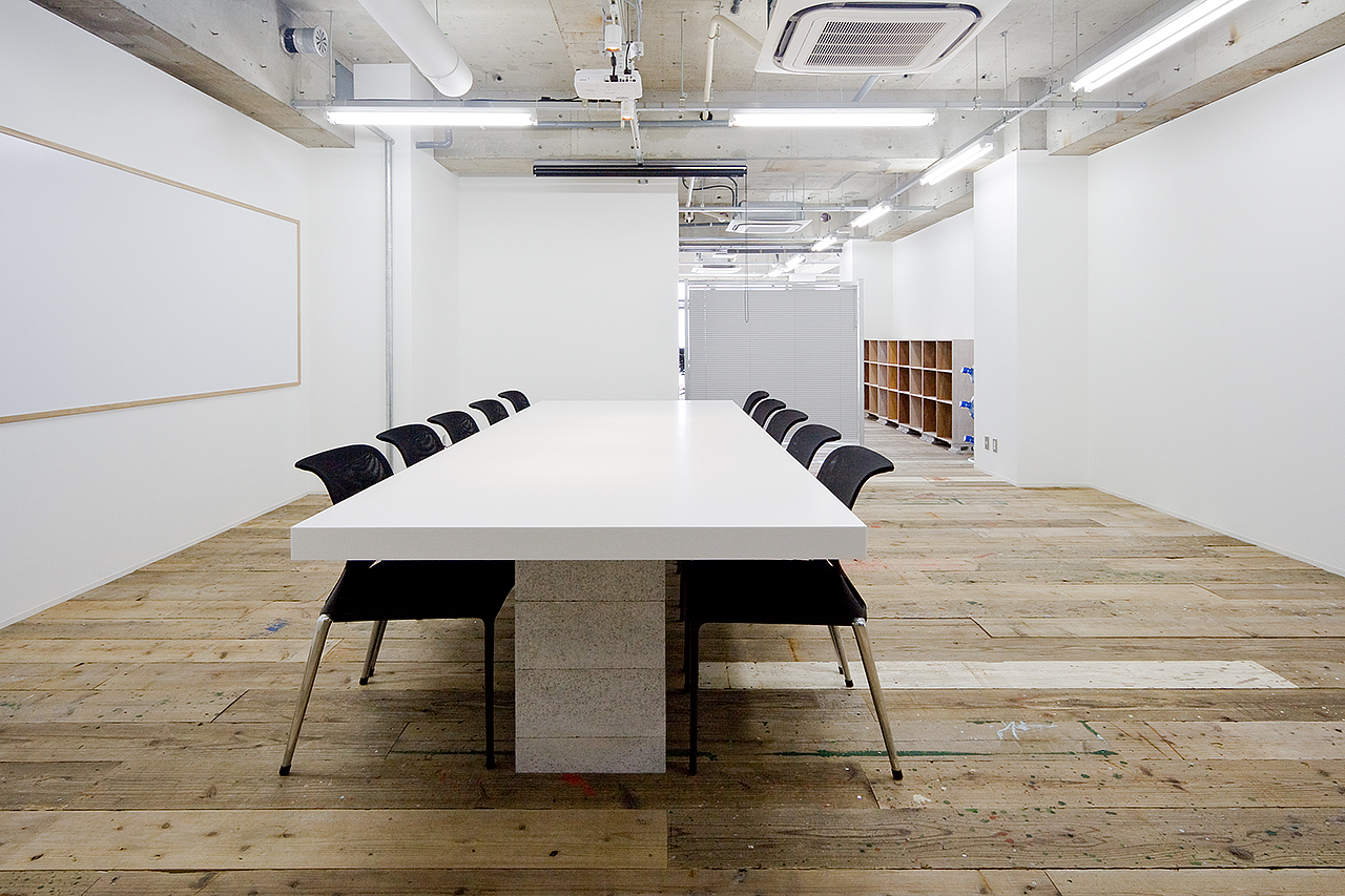 Projector inc. Office-image6
