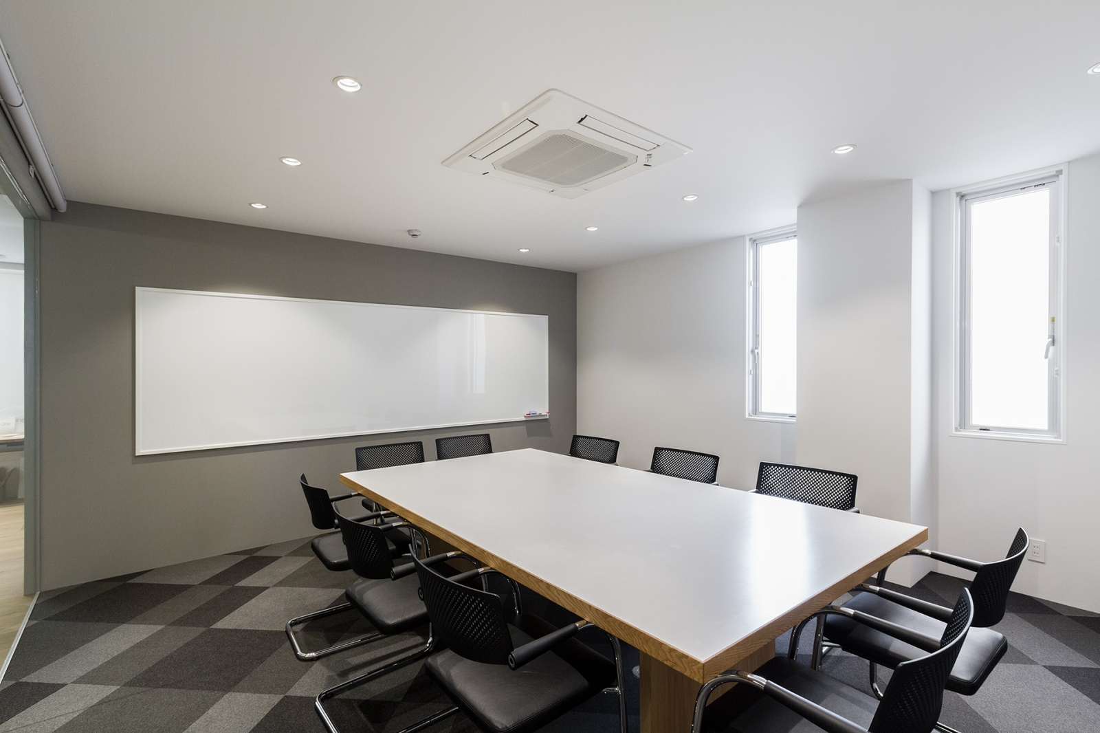 eight one co., ltd. Office-image9